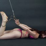 bondage mujer esposada